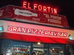 """""""""""Pizzeria El Fortin"""""""" fundada en 1962 en Avenida Lopez de Vega y Avenida Alvarez Jonte, Villa Devoto. Es otro clasico de Buenos Aires, sus pizzas al molde, podes comerla de dorapa o sentado"""