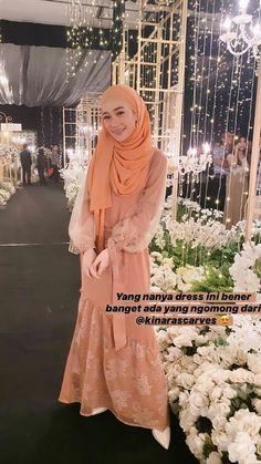 Gaun Dress, Dress Brukat, Hijab Dress Party, Kebaya Dress, Abaya Fashion, Muslim Fashion, Fashion Dresses, Instagram Outfits, Girl Hijab