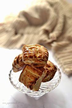 Fagottini di sfoglia intrecciati con mele Zagara, French Toast, Breakfast, Desserts, Food, Instagram, Morning Coffee, Tailgate Desserts, Deserts