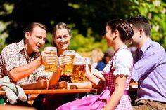 Biergarten-Tradition auch in Stuttgart. Bayrische Lebensart jetzt auch im neuen Augustiner Biergarten genießen. Tipps zu schönen Biergärten in der Umgebung.  #biergarten, #stuttgart, #wohnen, #leben