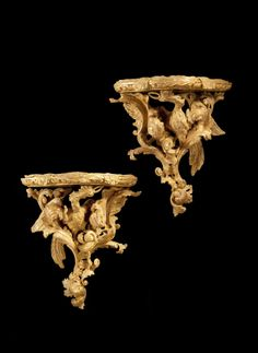 A fine and important pair of George III Chippendale period wall brackets with later gilding, the unusually carved tops supported by Ho-Ho birds surrounded by foliage and leaves. Fine Furniture, Furniture Projects, Antique Furniture, French Rococo, Baroque, Wall Brackets, English Style, Paper Lanterns, Chinoiserie