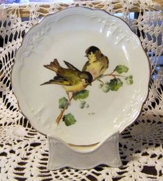Handpainted bird on a porcelain plate with gold by MAyoPorcelain
