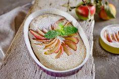 Das kommt dabei raus, wenn bei feinkoch frische Bio-Äpfel, Topfen & Grieß verarbeitet werden! Der leckere Schmarrn ist schnell gezaubert und eignet sich wunderbar als süße Hauptspeise. Das einzige was ihr braucht ist eine Ofenform und das dazugehörige Backrohr. Wie eine süße Wolke auf der Gabel…
