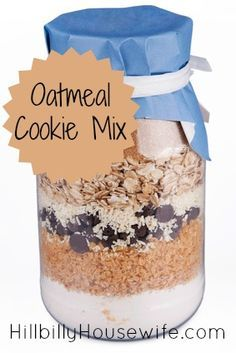 Trendy baking gifts in a jar cookie mixes Ideas Mason Jar Cookie Recipes, Mason Jar Cookies, Jar Recipes, Oatmeal Cookies In A Jar Recipe, Cake Mix In A Jar Recipe, Oatmeal In A Jar, Jar Food Gifts, Homemade Food Gifts, Gift Jars