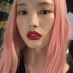 Find images and videos about girl, pink and makeup on We Heart It - the app to get lost in what you love. Bright Red Lipstick, Pink Lips, Beauty Makeup, Hair Makeup, Hair Beauty, Hair Dye Colors, Hair Color, Everyday Make Up, Pastel Pink Hair