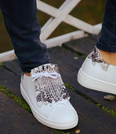 #FiammeMeetsFrilles Leather Shoes, Kicks, Oxford, Footwear, Pairs, Shoe Bag, My Style, Sneakers, How To Wear
