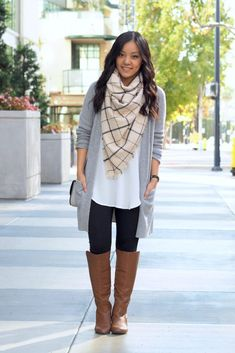 Thick Awesome Leggings 9 Long Tops for Leggings - Cardigans - Ideas of Cardigans - One of the most common questions I get asked about fall and winter style is how to make cute outfits with leggings or suggestions for tops Long Tops For Leggings, Cute Outfits With Leggings, Legging Outfits, Scarf Outfits, Outfit With Scarf, Outfits With Boots, Winter Cardigan Outfit, Thick Leggings, Cheap Leggings