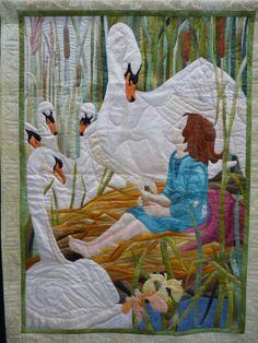 Beautiful quilt! http://4.bp.blogspot.com/-F5SnK6bmw0w/Tk17D-glTpI/AAAAAAAAHSE/CzNG1dX0yH0/s1600/world%2Bquilt%2Bshow%2BNE%2B038.JPG