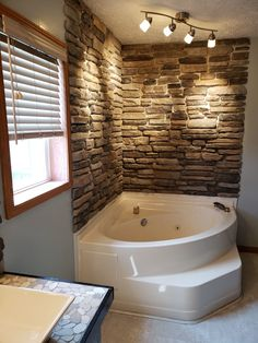 Upgrade your décor with Mountain View Stone ledge stone siding. Easy installation, budget friendly and perfect for DIY o Stone Veneer Siding, Brick Face, Manufactured Stone Veneer, Stone Accent Walls, House Siding, Mountain View, Bear Mountain, Fireplace Wall, Luxury Bathrooms
