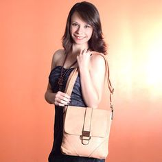 Nossa loja virtual está sendo finalizada e trazendo novidades em bolsas femininas e ótimos preços de inauguração, Aguardem!  LINk: www.lojalaurentino.com.br