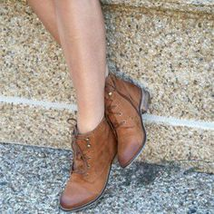 Brown Vintage Boots Lace-up Round Toe Chunky Heels Ankle Booties