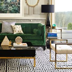 Modern Chic Living Room Designs Ideas 30 - Home Interior and Design Living Room Green, Chic Living Room, Living Room Decor, Black And Gold Living Room, Living Rooms, Family Rooms, Living Spaces, Estilo Interior, Room Interior