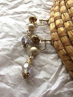 Vintage Sherman Earrings by GabsAndLolaJewellery on Etsy https://www.etsy.com/ca/listing/477204500/vintage-sherman-earrings