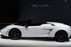 Gallardo LP 570-4 Spyder Performante Lamborghini specs - http://autotras.com