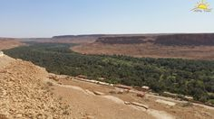 Hoy visitamos en nuestro camino hacia fez, hacemos parada para visitar el VALLE DEL ZIZ, 50 km de palmeras que cruza la región del Tafilalet. Un lugar para disfrutar de su poblado de palmeral, declarado Patrimonio Mundial por la Unesco. www.alimatours.com #africa #marruecos #morocco #marocco #maroc #travel #fez #ziz #tafilalet #oasis #palmeras #landscape #traveler #viajeros #mochileros #viaje #viajar #viajeros #semanasanta #semanasanta2015 #kasbah #arabic