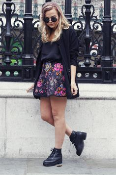 british fashion blog. Love her outfit. Want those shoes!!
