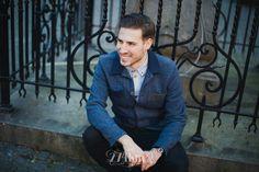 Sesión de fotos de retrato urbana en amberes, Sesión fotográfica de retrato | sesión de fotos de retrato en exterior en Amberes, 274km, barcelona, hospitalet, GalaMartinez, exterior, portrait, retrat, fotografía, photography, street photography, urbana, urban, atwerpen, belgium, barcelona Barcelona, Mens Fashion, Portrait, Casual, Style, Male Poses, Men's, Man Portrait, Antwerp