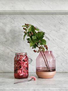 Homebuildlife: Elevated Vases by Muuto