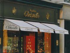Store banne extérieur customisé http://www.stores-tournus.com/photos-stores/photos-stores-tournus-stores-exterieurs.htm
