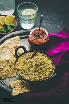 How to make the classic Punjabi Dal - Dhaba Style Dal Makhani? Dal Makhani is served with Roti's/ paratha's at the road side dhaba's.