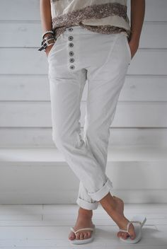 Cute pants,  but I think I'd  be frustrated when wearing them.