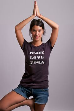 Organic cotton tee - Peace Love Yoga
