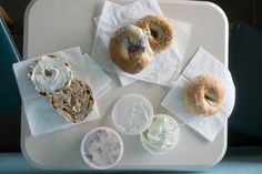See how Phoenix's The Bagel Man bakes them the old-fashioned way.