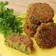 9 zöldségfasírt, ami jobb, mint a húsos változat | Nosalty Vegetable Recipes, Vegetarian Recipes, Healthy Recipes, Vegeterian Dishes, Healthy Cooking, Cooking Recipes, Pesco Vegetarian, Good Food, Yummy Food