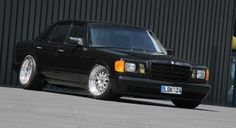 Old Skool Tuning: 1983 Mercedes-Benz with by Inden Design Mercedes 500, Car Cleaning Hacks, Stopping Power, Sport Seats, Car Tuning, Wood Trim, Alloy Wheel, Design Thinking, Old Skool