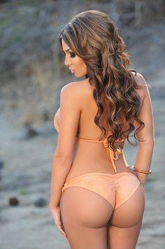 Nice hair and nice butt