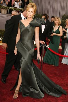 Charlize Theron in Dior (Oscars 2006)