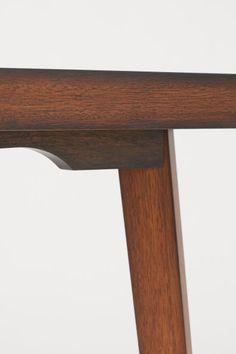 Matbord i trä - Brun - | H&M SE 3 Home Decor, Decoration Home, Room Decor, Home Interior Design, Home Decoration, Interior Design