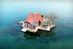 Family lives in tiny house on island the size of a tennis court Size Of Tennis Court, Beautiful Islands, Beautiful Places, Water House, Unusual Homes, Best Places To Live, Small Island, Island Life, Arquitetura