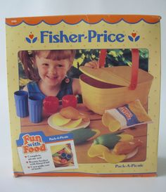 1988 Fisher-Price Fun With Food Pack-A-Picnic Picnic Basket Set Jouets Fisher Price, Fisher Price Toys, Vintage Fisher Price, Retro Toys, Vintage Toys, Antique Toys, 1980s Childhood, Childhood Memories, Girls Play Kitchen