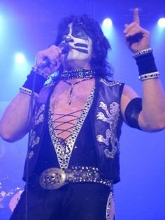Photo of ★ Eric ☆ for fans of Eric Singer 30068353 Vinnie Vincent, Eric Carr, Peter Criss, Greatest Rock Bands, Kiss Band, Ace Frehley, Hot Band, Gene Simmons, Love Kiss