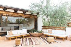 Joshua Tree Airbnb, Tree House Interior, Bordeaux, Sims, Backyard Retreat, Desert Backyard, Tadelakt, Desert Homes, Interior Exterior