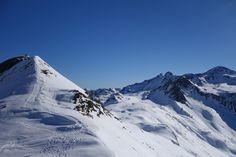 Antecima y cima del Cuyalaret (2286 metros)