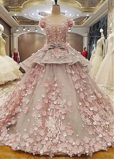Tulle Lace Ball Gown Wedding Dress with Lace Appliques - Vestidos y abrigos - Hochzeitskleid Wedding Dresses 2018, Cheap Prom Dresses, Ball Dresses, Quinceanera Dresses, Bridal Dresses, Ball Gowns, Bridesmaid Dresses, Evening Dresses, Party Dresses