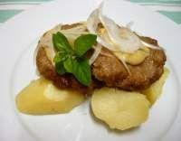 Vepřenky s cibulí (minutka) Baked Potato, Potatoes, Chicken, Baking, Ethnic Recipes, Food, Patisserie, Potato, Bread