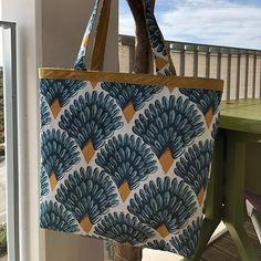Couze Toujours by PS sur Instagram: Un nouveau #cabotin de #sacotin pour l'anniv de belle-maman ☺️ #coutureaddict #couture #sacotincabotin #sacotinaddict #bleu #blue #sac…