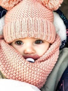Crochet baby outfits girl children Ideas for 2019 So Cute Baby, Cute Baby Clothes, Cute Kids, Cute Babies, Fashion Kids, Baby Girl Fashion, Winter Fashion, Fashion Outfits, Baby Boy