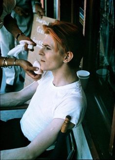 David Bowie behind the scenes of The Man Who Fell to Earth (1976)