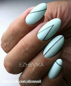 The advantage of the gel is that it allows you to enjoy your French manicure for a long time. There are four different ways to make a French manicure on gel nails. Nail Manicure, Nail Polish, Minimalist Nails, Gel Nail Designs, Accent Nails, Stylish Nails, Almond Nails, Blue Nails, Striped Nails