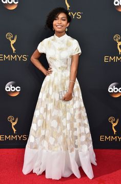 The Emmys Looks Everyone's Still Talking About After the Red Carpet Wrapped Yara Shahidi Wearing a Clara Rotescu dress, Ade Samuel shoes, Judith Leiber clutch, Underwoods earrings, and Open Hearts by Jane Seymour jewels. Judith Leiber, Red Carpet Dresses 2016, The Emmys, Glamour, Celebrity Look, Red Carpet Looks, Red Carpet Fashion, The Dress, Dress Long
