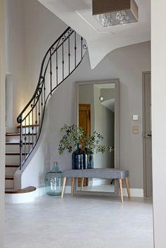 ideen für farbgestaltung im flur und eingangszone-aquamarin blau ... - Flur Farbgestaltung