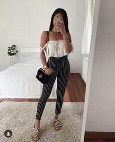 estilo thanya w Teen Fashion Outfits, Outfits For Teens, Womens Fashion, Mode Bcbg, Jugend Mode Outfits, Cute Casual Outfits, Look Cool, Spring Outfits, Ideias Fashion