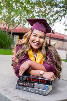 Masters Graduation Pictures Discover Graduation photo with books. Photography by Andrew Ybanez Nursing Graduation Pictures, Graduation Picture Poses, College Graduation Pictures, Graduation Portraits, Nursing School Graduation, Graduation Photoshoot, Graduation Photography, Graduation Diy, Grad Pics
