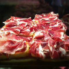 JAMON IBERICO The most delicious food in the world Cold Cuts, In Vino Veritas, Antipasto, Mediterranean Recipes, Charcuterie, Etiquette, Manners, Portuguese, Family Meals