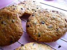 Chillies and Lime: Eggless chocochip cookies