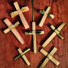 You spent Palm Sunday Mass trying to find someone who can turn your palm into a cross. | 24 Secrets Catholics Won't Tell You